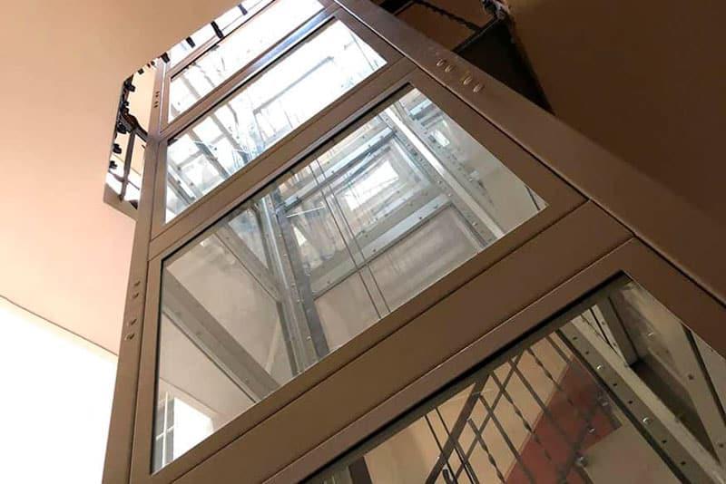 ascensores para comunidades pequeñas
